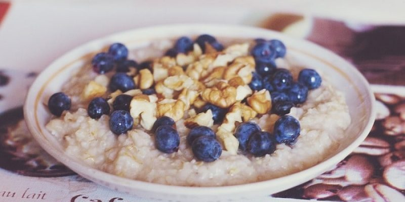 Can Dogs Eat Oatmeal?
