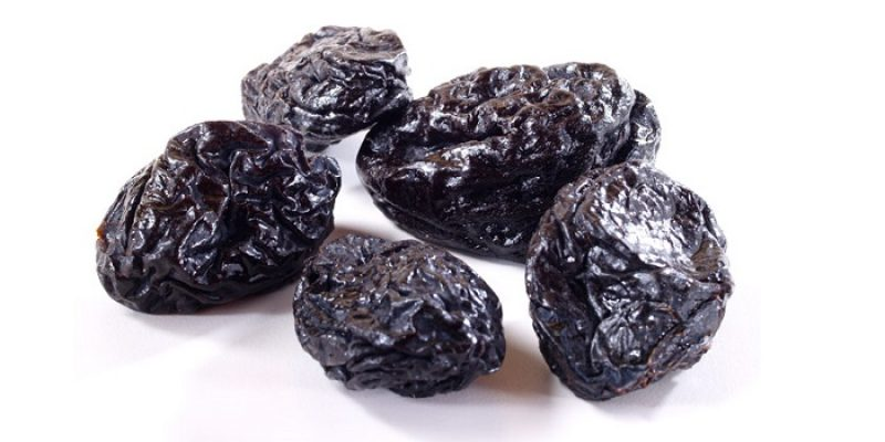 Can Dogs Eat Prunes?